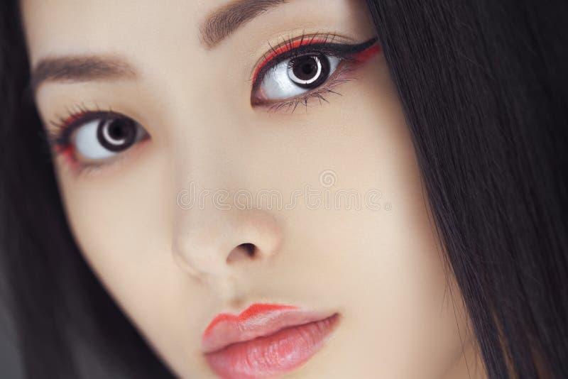 Азиатская женщина красоты с творческим составом Портрет Конца-вверх стоковое изображение