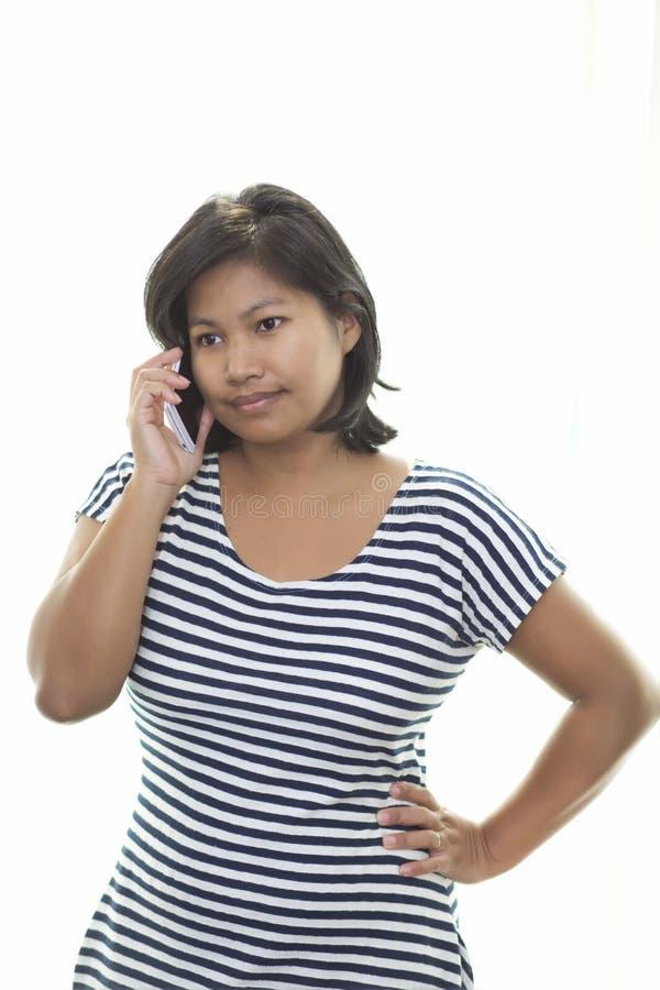 азиатская женщина телефона стоковое изображение rf