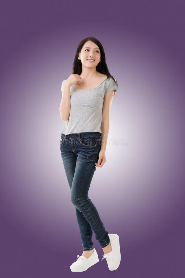 азиатская жизнерадостная женщина стоковое фото