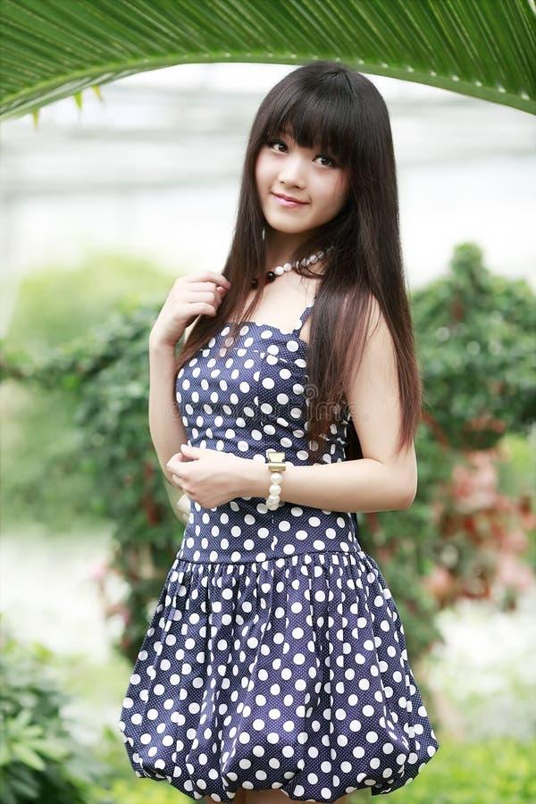 азиатская красотка напольная стоковая фотография