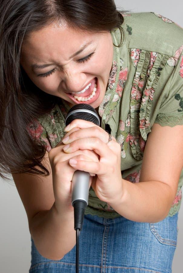 азиатская певица стоковые изображения