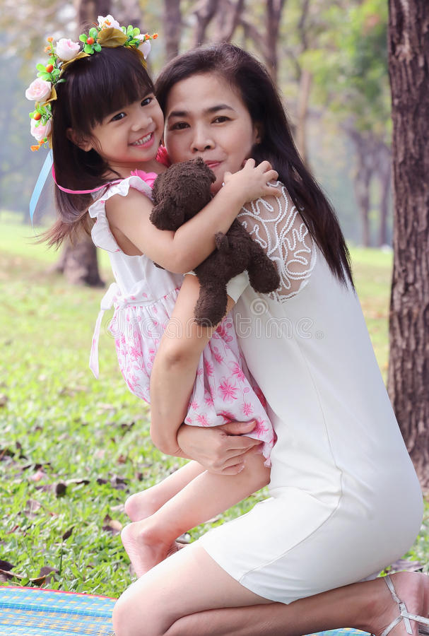 азиатская семья стоковые фотографии rf