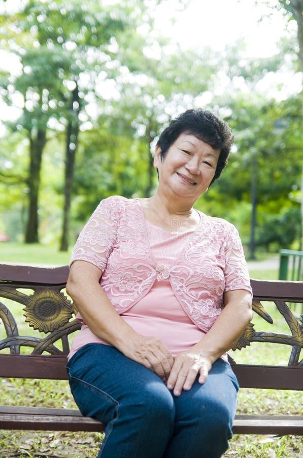 Азиатская старшая женщина стоковое фото