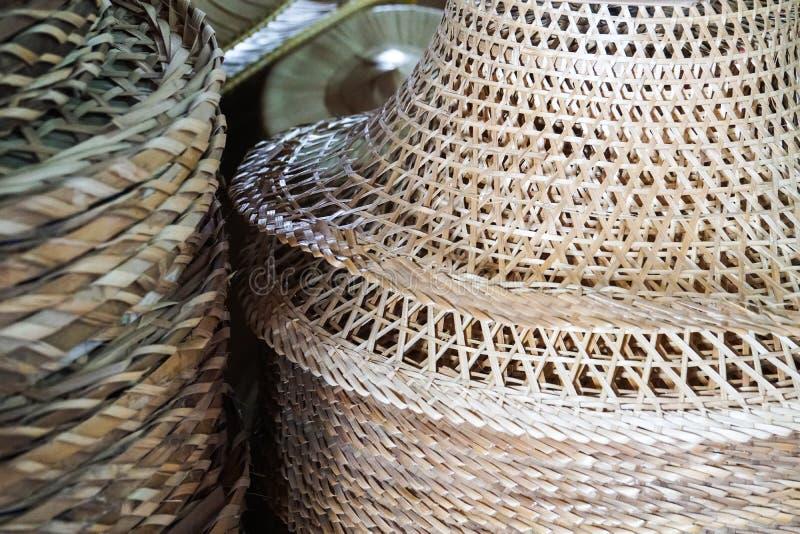 Азиатская традиционная handmade сплетя бамбуковая шляпа стоковое изображение