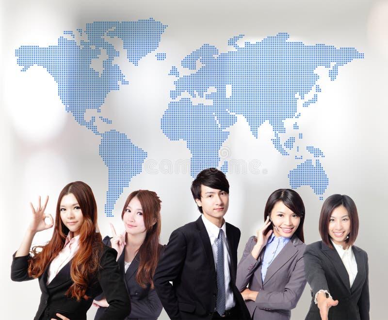Азиатские бизнесмены команды стоковые изображения