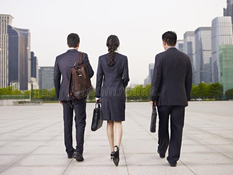 азиатские бизнесмены стоковые фото