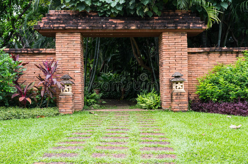 Азиатские въездные ворота стоковое фото rf
