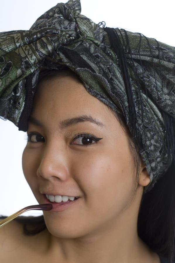 азиатские детеныши женщины портрета головного платка стоковая фотография rf