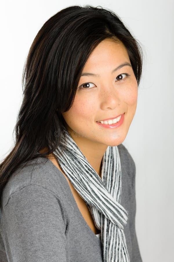 Download азиатские детеныши женщины стоковое изображение. изображение насчитывающей здорово - 17616935