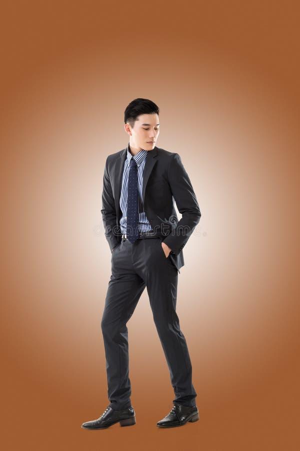 азиатские детеныши бизнесмена стоковое изображение