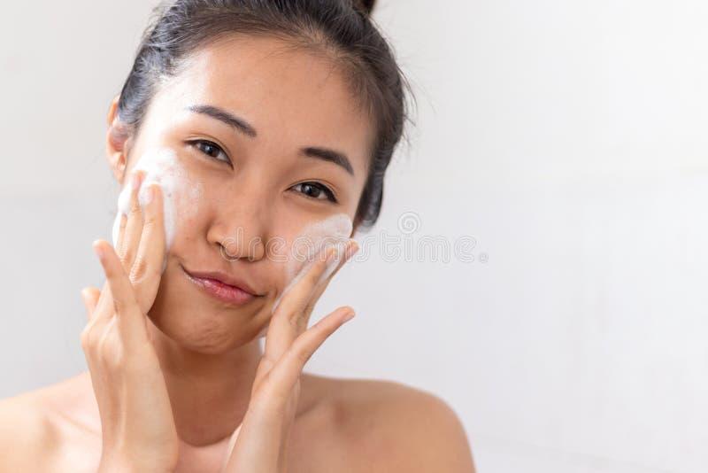 азиатские женщины стоковые изображения rf