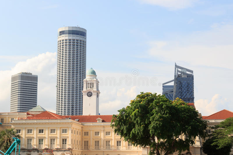 Азиатские музей и башня с часами цивилизаций в Сингапуре стоковые фотографии rf