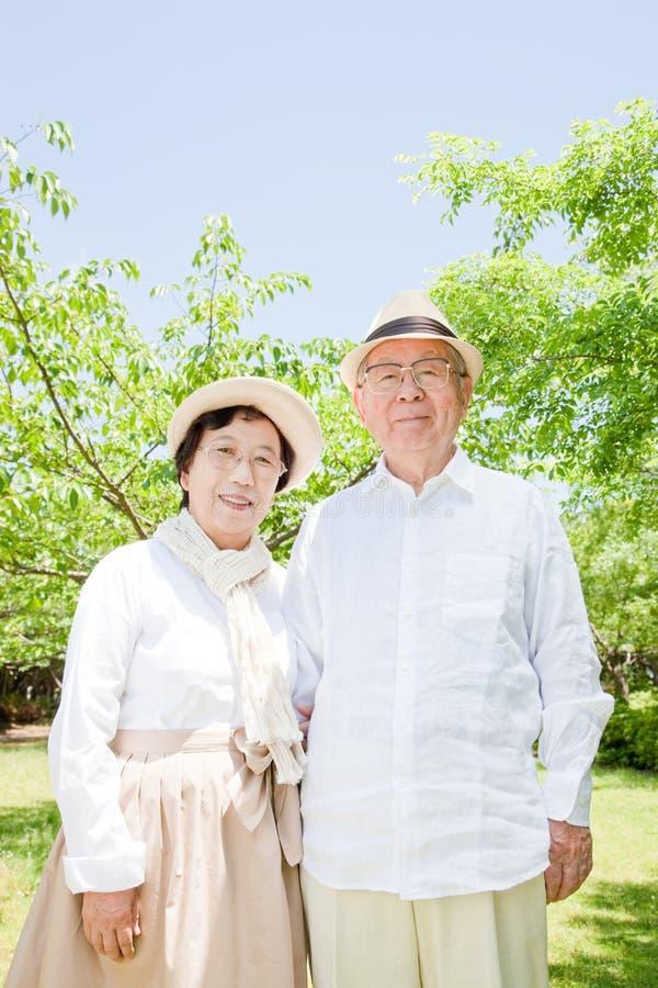 Азиатские пожилые пары стоковая фотография