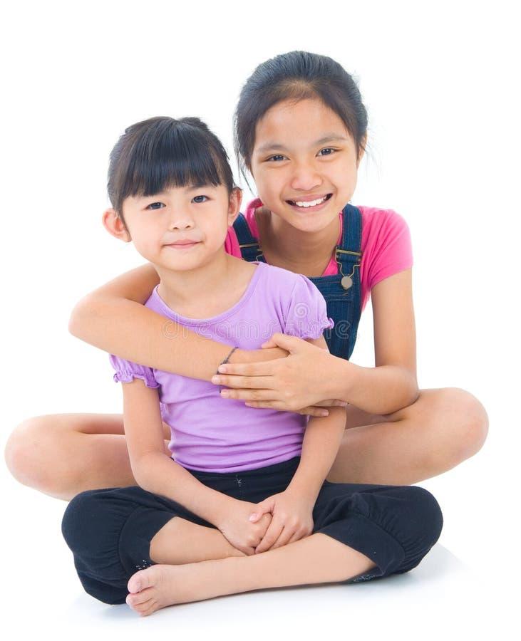 азиатские сестры стоковое изображение