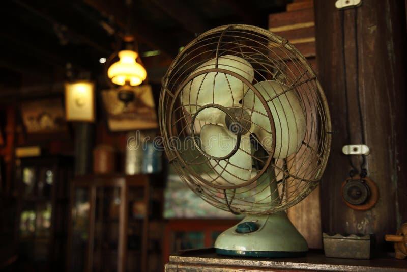 Азиатский античный вентилятор стоковые фото