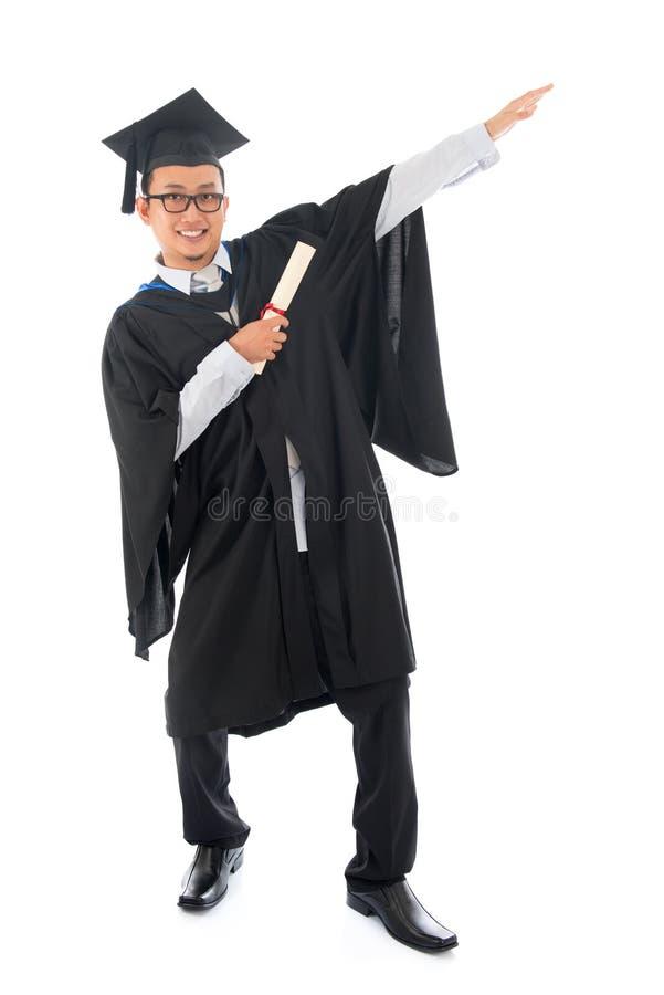 Азиатский выпускник студента колледжа стоковое фото rf