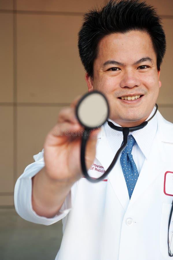 азиатский доктор стоковые фото