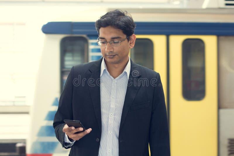 Азиатский индийский бизнесмен стоковая фотография