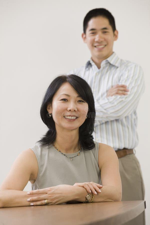 азиатский коммерческий директор стоковые фотографии rf