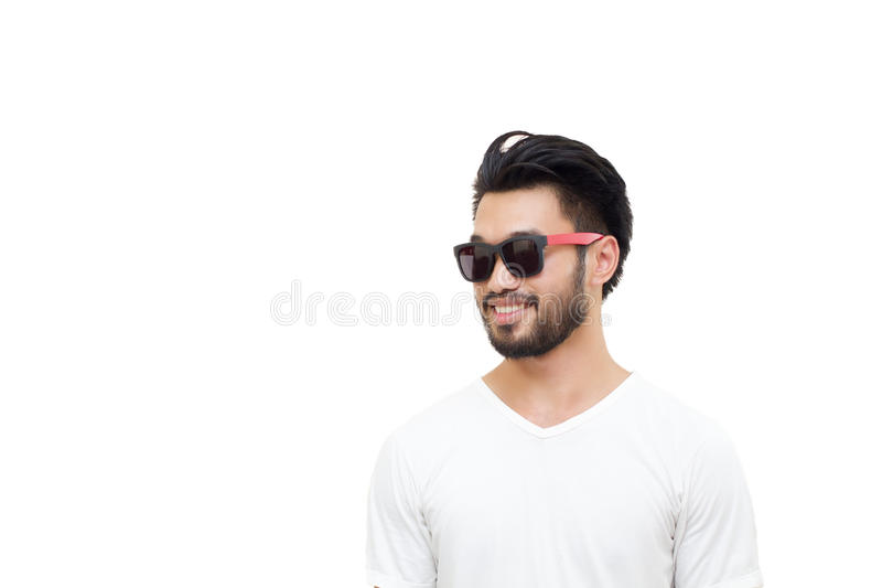 Азиатский красивый человек при усик, усмехаясь и смеясь над на whit стоковые фото