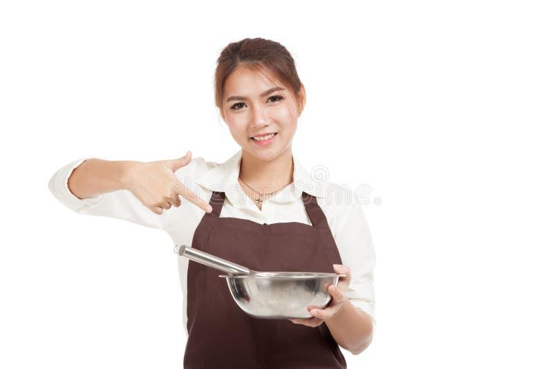 Азиатский пункт девушки хлебопека, который нужно юркнуть и шар стоковая фотография rf