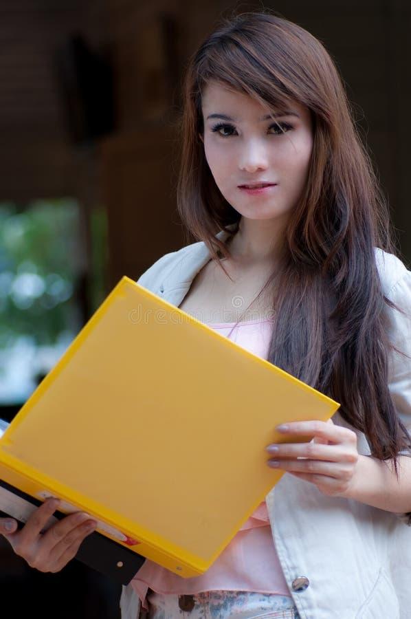 азиатский работник женщины стоковое фото