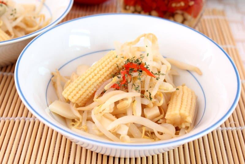 азиатский салат стоковые изображения
