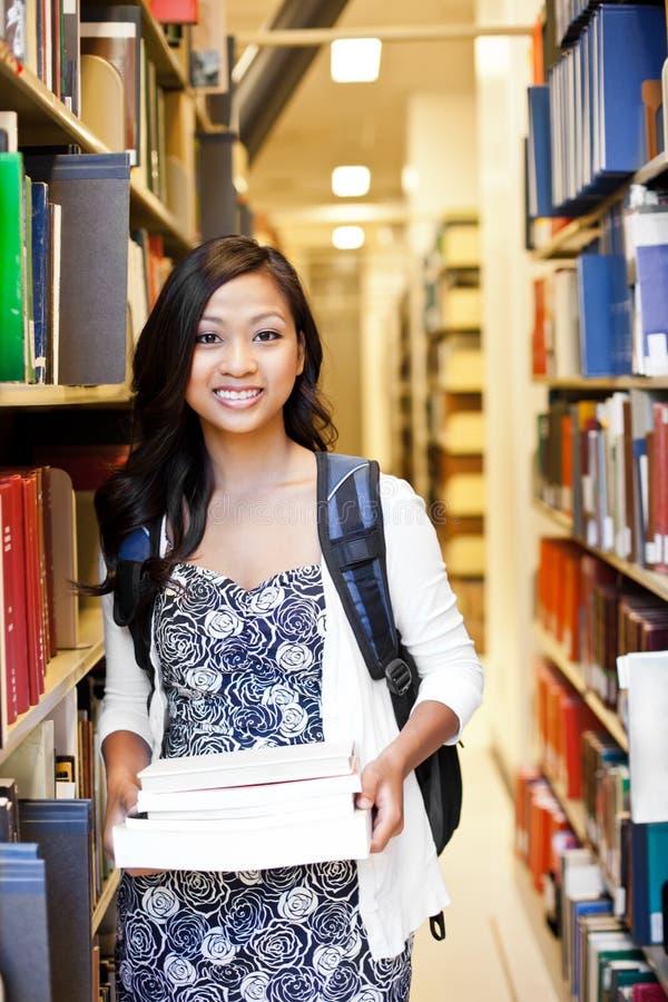 азиатский студент колледжа стоковые фото