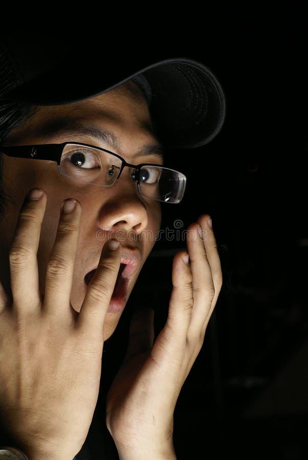 азиатский устрашенный мужчина стоковые изображения
