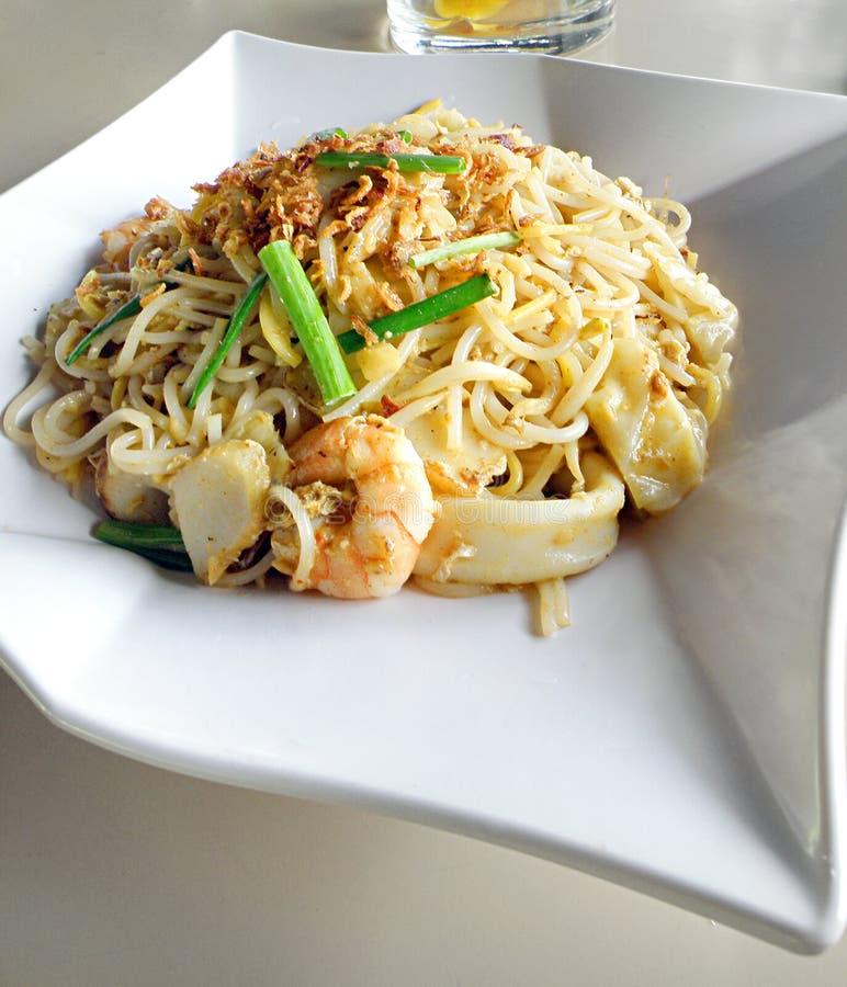 азиатским зажаренные чау-чау лапши mein еды стоковые изображения rf