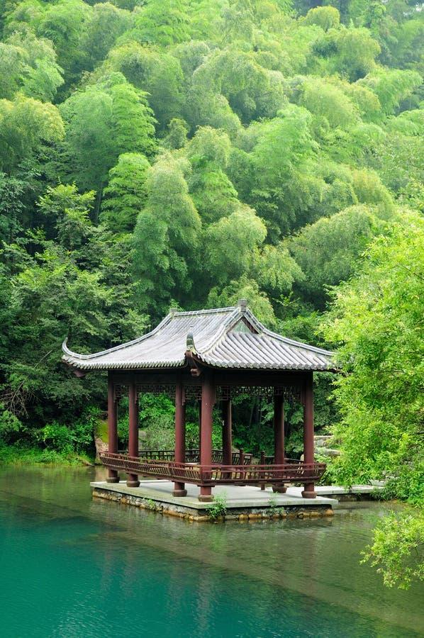 Азиатское газебо на Шани Китае Tian Mu стоковая фотография