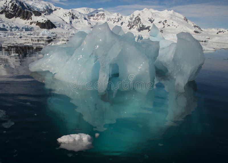 Айсберги в Антарктике стоковые изображения