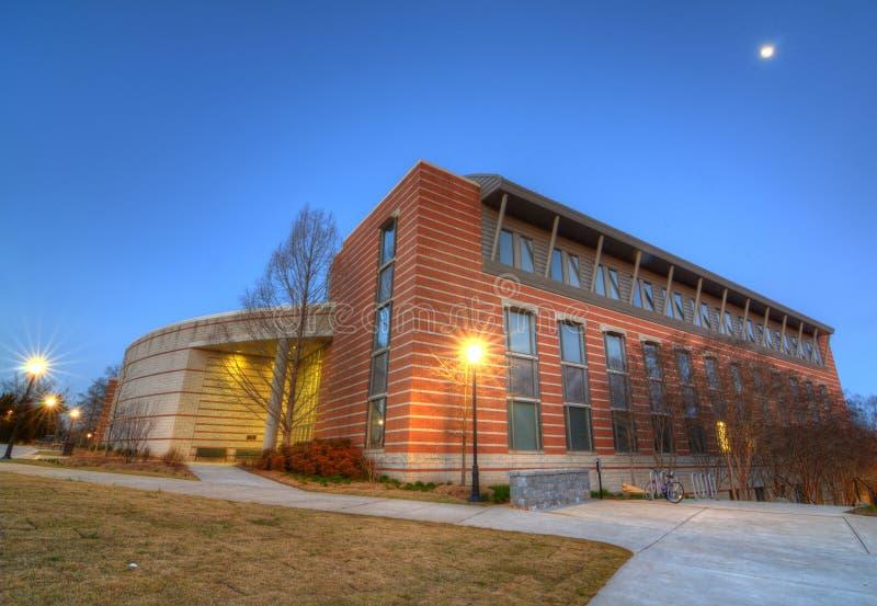 академичное здание стоковые фотографии rf