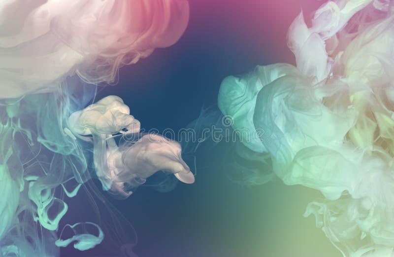 Акриловые цветы в воде Аннотация стоковая фотография rf