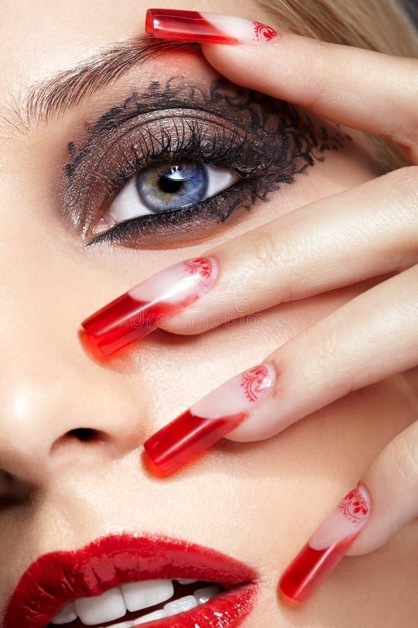 Акриловый маникюр ногтей стоковые фото