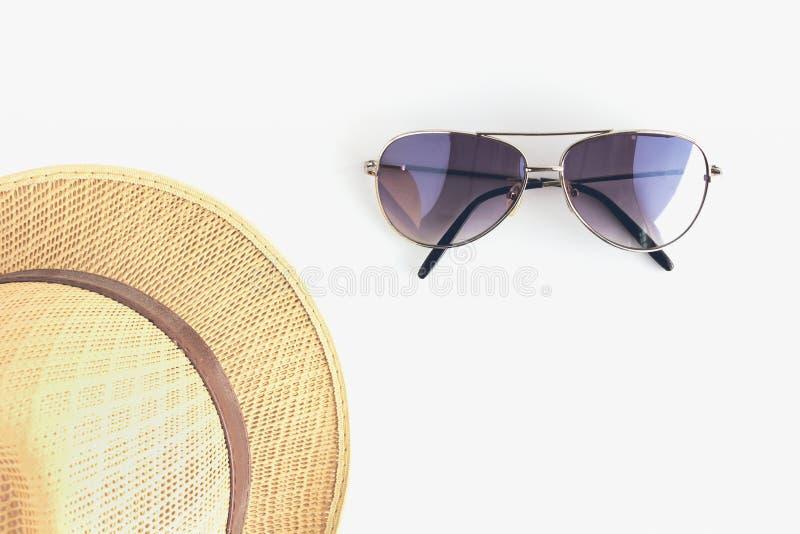Аксессуары людей с шляпой и солнечными очками стоковые фото