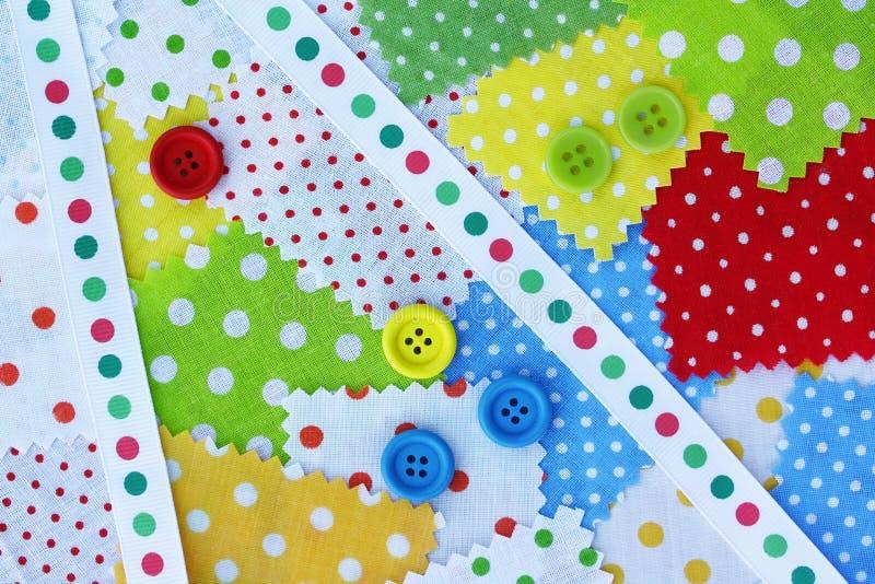 Аксессуары для needlework: ткань, диапазон, кнопки стоковые изображения rf