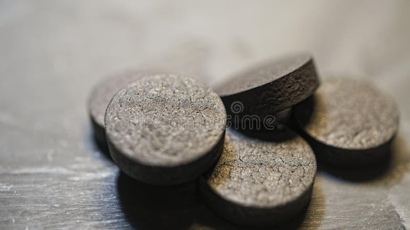 Активированный уголь, вещество-поглотитель, зерна, порошок, отравление, космос экземпляра стоковые изображения rf