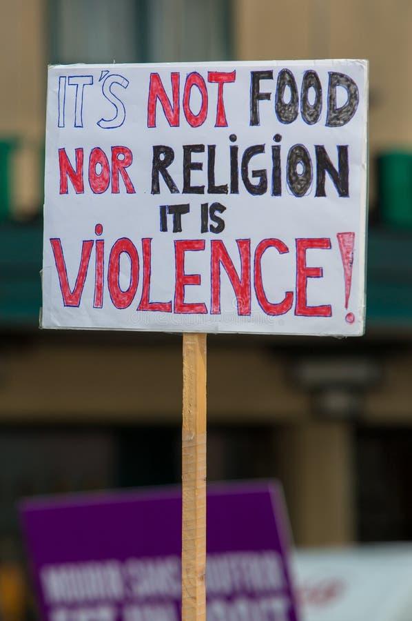 Активисты Gaia бельгийца протестуют на улицах Брюсселя стоковая фотография rf
