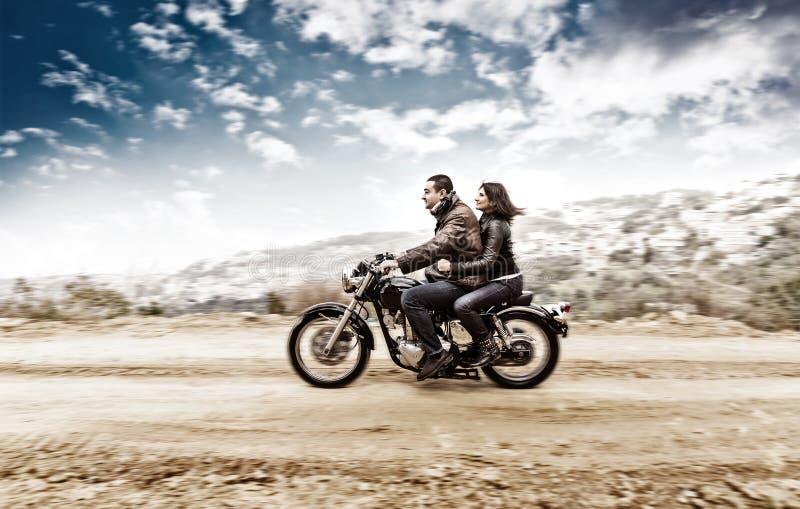 Активные пары на motobike стоковая фотография rf
