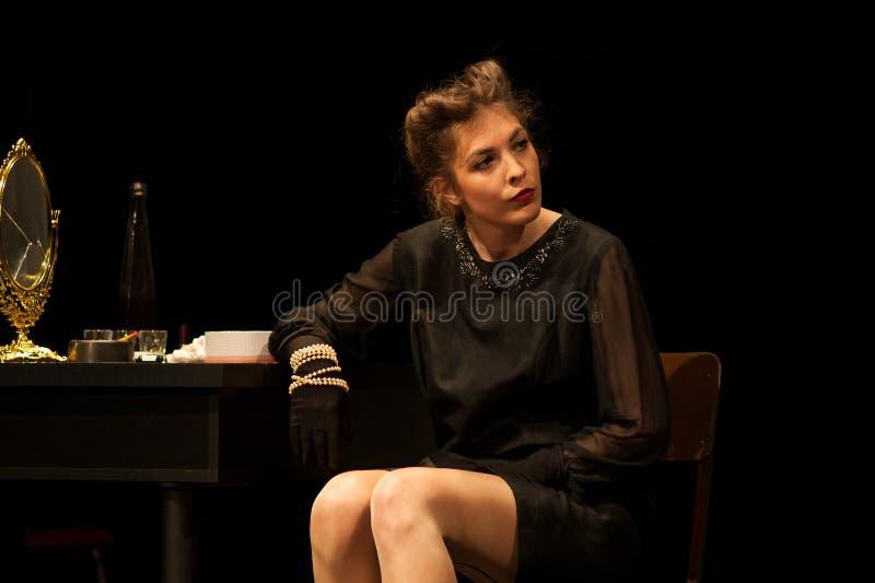 актриса действуя на этапе стоковые изображения