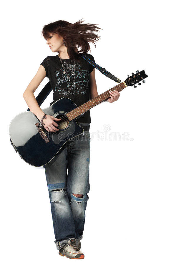 акустическая гитара девушки играя подросток стоковая фотография
