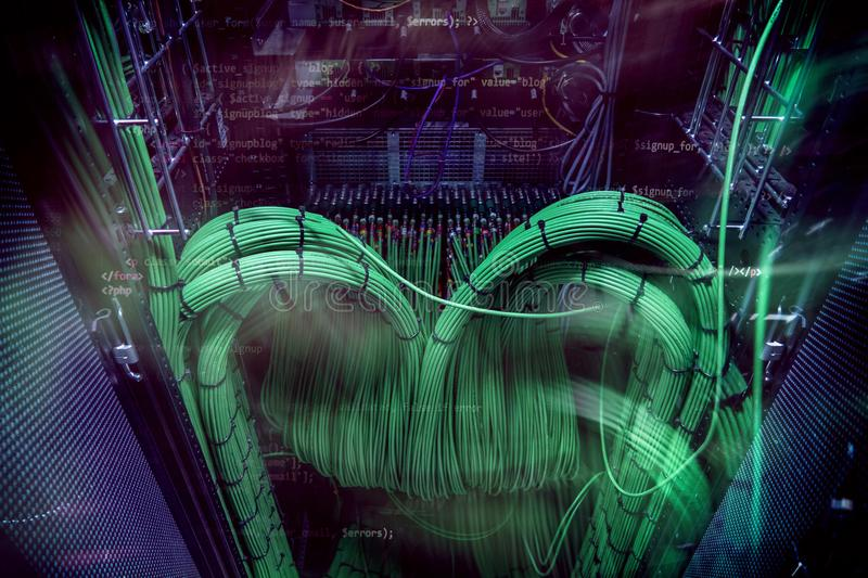 Акустический тональнозвуковой сервер кабеля тональнозвуковой зеленый цвет кабеля Много акустических кабелей Кабель ¡ Ð oaxial для стоковые фотографии rf