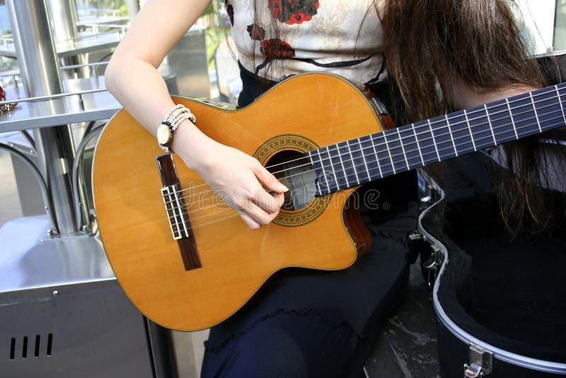 акустическое gitar стоковое фото