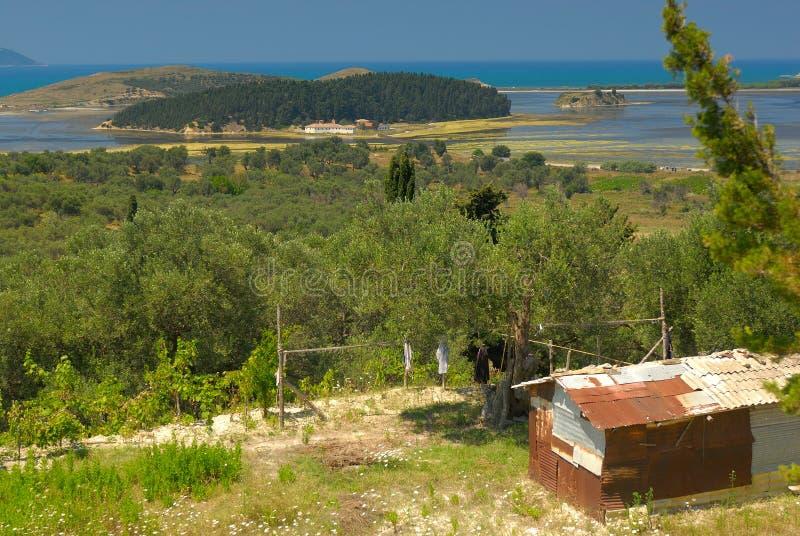 Албанское красочное побережье Европа стоковые изображения