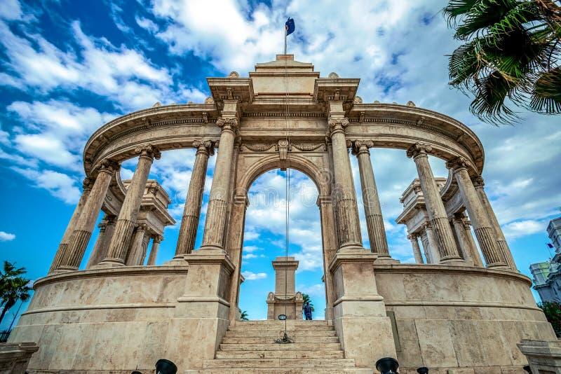 11 16 2018 Александрия, Египет, усыпальница неизвестного солдата на берегах старого африканского города стоковые изображения