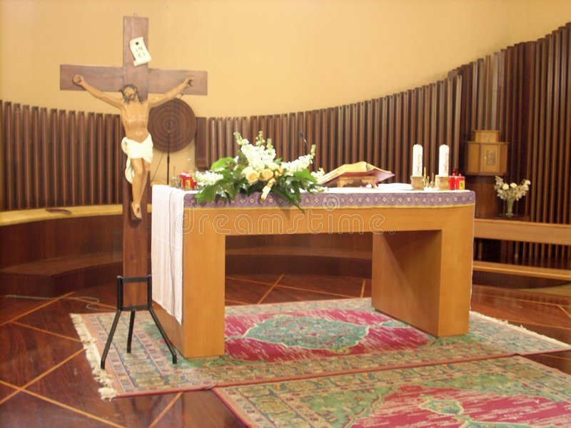 Алтар церков и орган трубы стоковое изображение rf