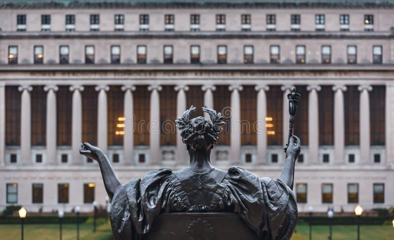 Альма-матер Колумбийского университета, Нью-Йорка, США стоковые изображения