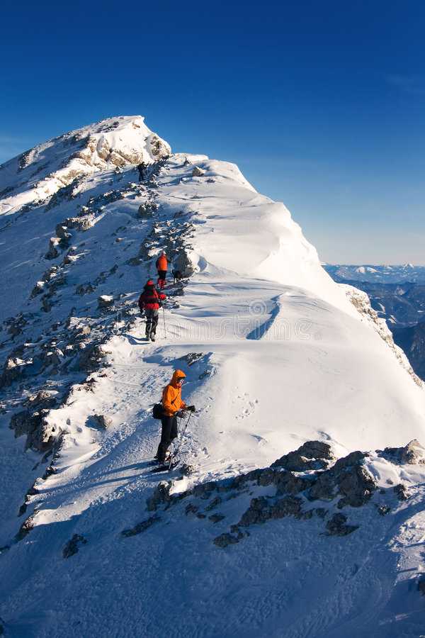 Альпинисты на восхождении стоковые фотографии rf
