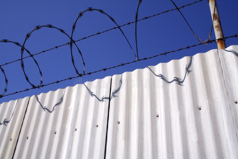 алюминиевый провод бритвы загородки стоковое изображение